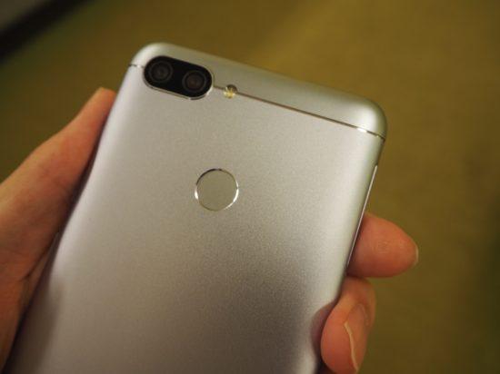 ZenFone Max Plus 背面