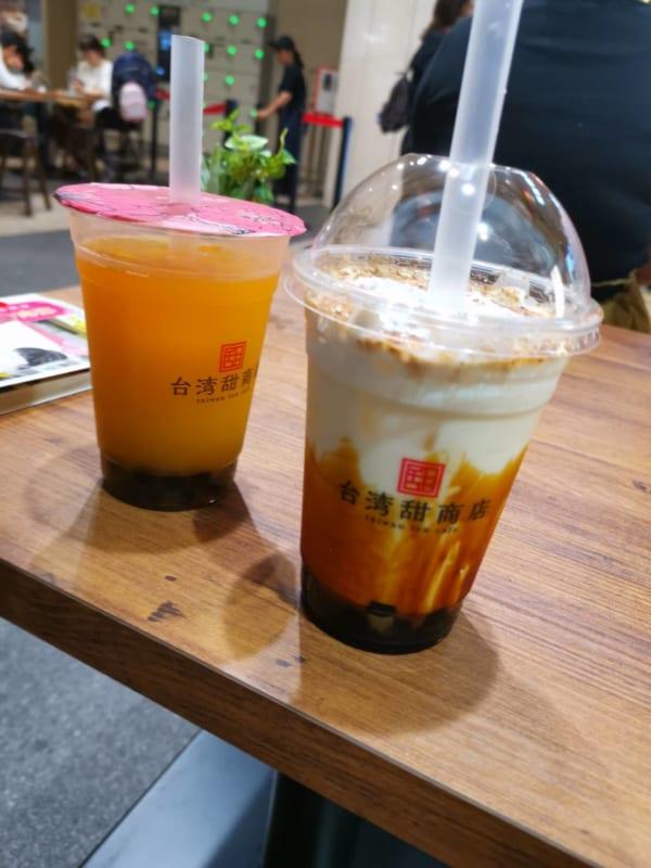 甜黒糖クリームミルクとマンゴージュース
